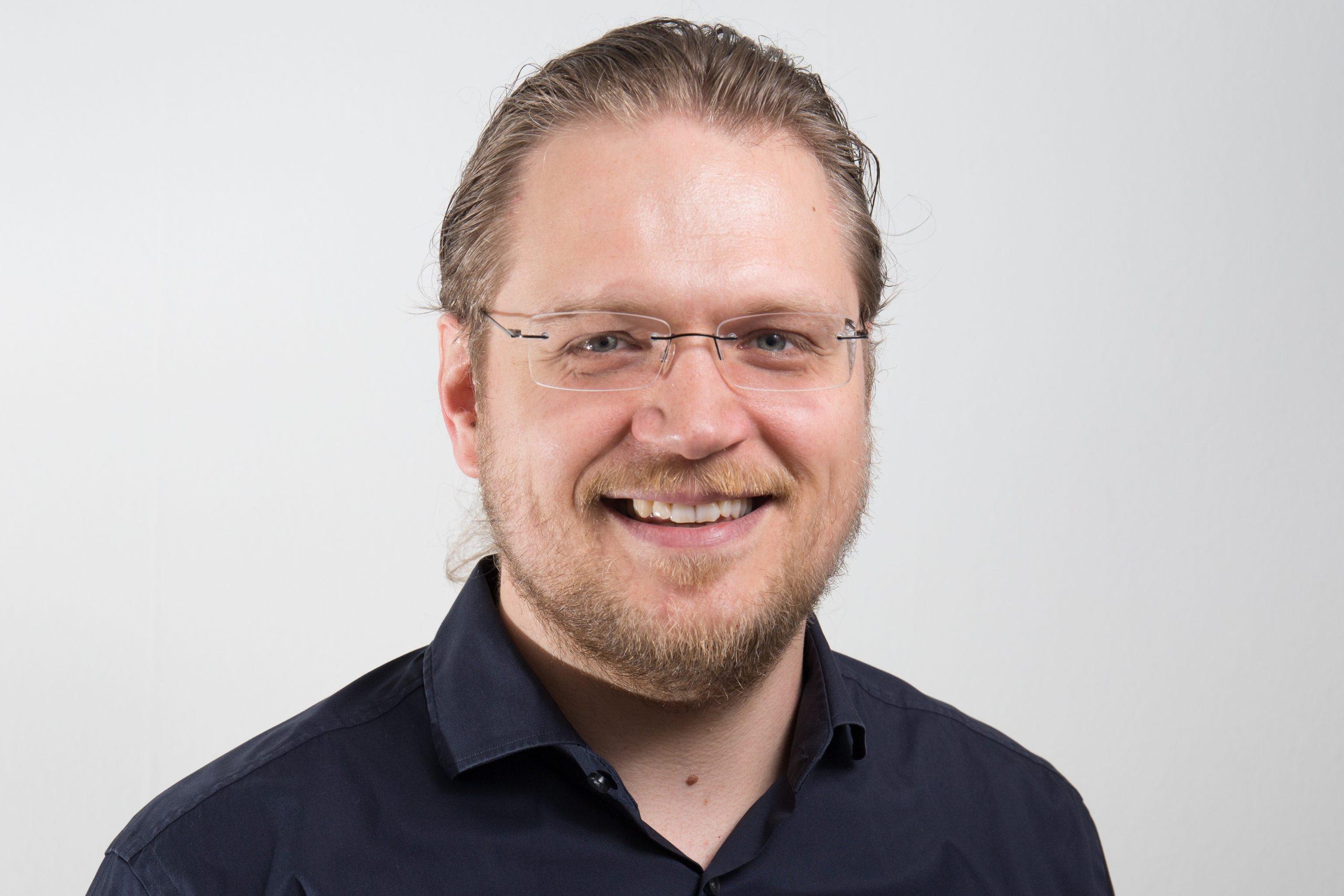 Dr. Gregor Reich